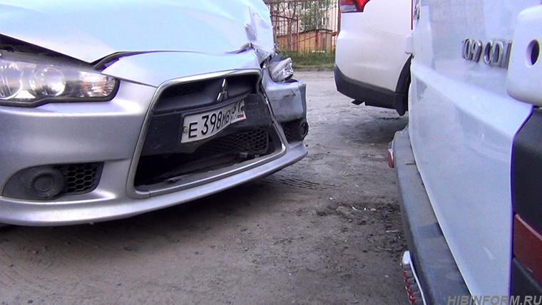 В Апатитах вдрызг пьяный пенсионер таранил чужие автомобили