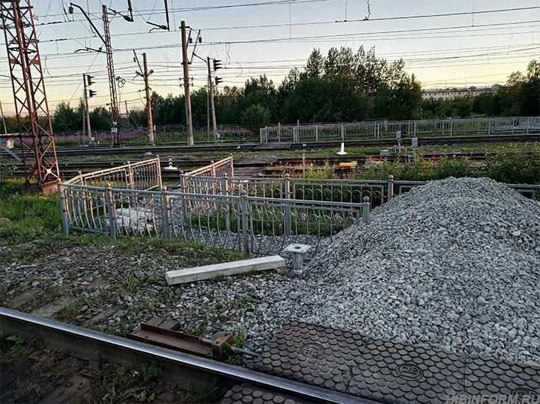 Переход через железную дорогу в Апатитах опять не успевают сделать в срок