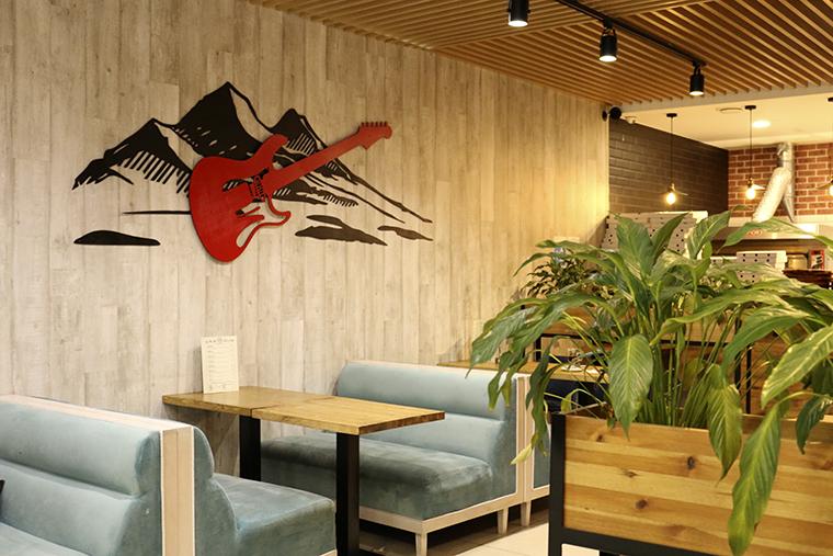 """Новый ресторан """"ROCKBURG"""" в Апатитах. Пиццы и бургеры могут быть сладкими"""