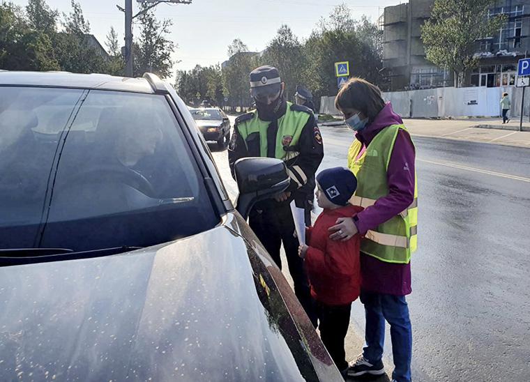 Апатитским детям будут целый месяц напоминать о том, как нужно вести себя на дороге