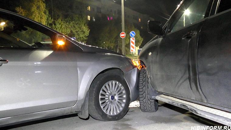Пьяная дама устроила ДТП на улице Строителей в Апатитах (+ВИДЕО)