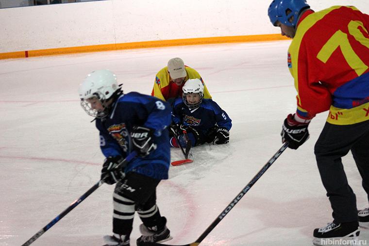В хоккей играют настоящие... супермамы!