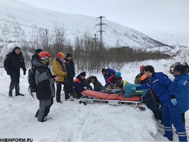 В Кировске из-под сошедшей лавины откопали двух альпинистов