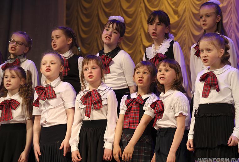 Звонкий фестиваль во Дворце — музыка, которую обязательно надо и видеть тоже