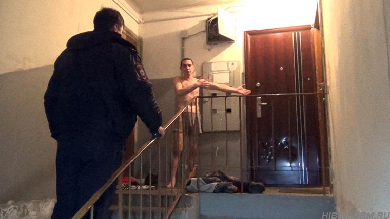 striptiz-v-podezde-doma